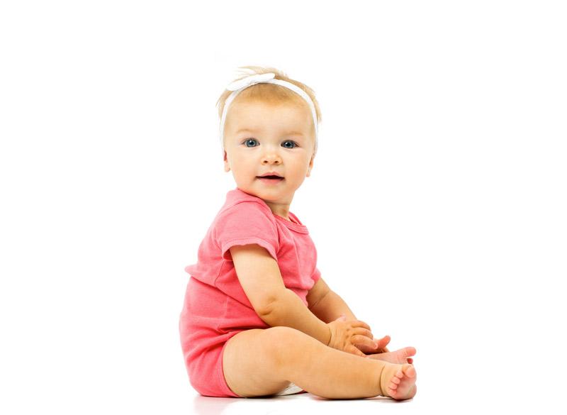 Во сколько месяцев можно сажать девочек (присаживать на попу)?